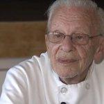 90歳のシェフ、ホームレスに食事を提供して逮捕 それでも「息をしている限り活動を続ける」 http://t.co/ZF3ouponjg http://t.co/9l29VFtFhl