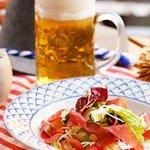 【「とりあえずビール」は正しかった!シャンパーニュからキールまで、夏の食前酒は食欲増進の効果あり】 http://t.co/Lisli6qK2m 暑さのせいで食欲がなくなり、元気も出ない……。そんなときは食前酒を飲んで活力アッ.. http://t.co/WRLl2Nd6sA
