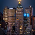 The #BlueMoon may have been a no show in the UK. But it certainly didnt disappoint in #NYC @itvnews http://t.co/X4rBQiociW