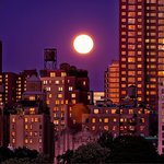 Magical blue moon tonight at twilight in #NYC. #fullmoon #BlueMoon http://t.co/5eazIWWhmi