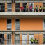 #MundoPA Seguridad venezolana recupera viviendas socialistas tomadas por delincuencia. http://t.co/9ge4ArvTrG http://t.co/BqXVmhIHGV