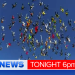 Stunning pic. Skydivers have set a new world record for the largest vertical skydive. @9NewsBrisbane http://t.co/nimC08Swli