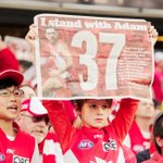 RT @theage_photo: Support for Adam Goodes @scg #IStandWithAdam Photos: @JamesBrickwood http://t.co/oeq0WYB88F