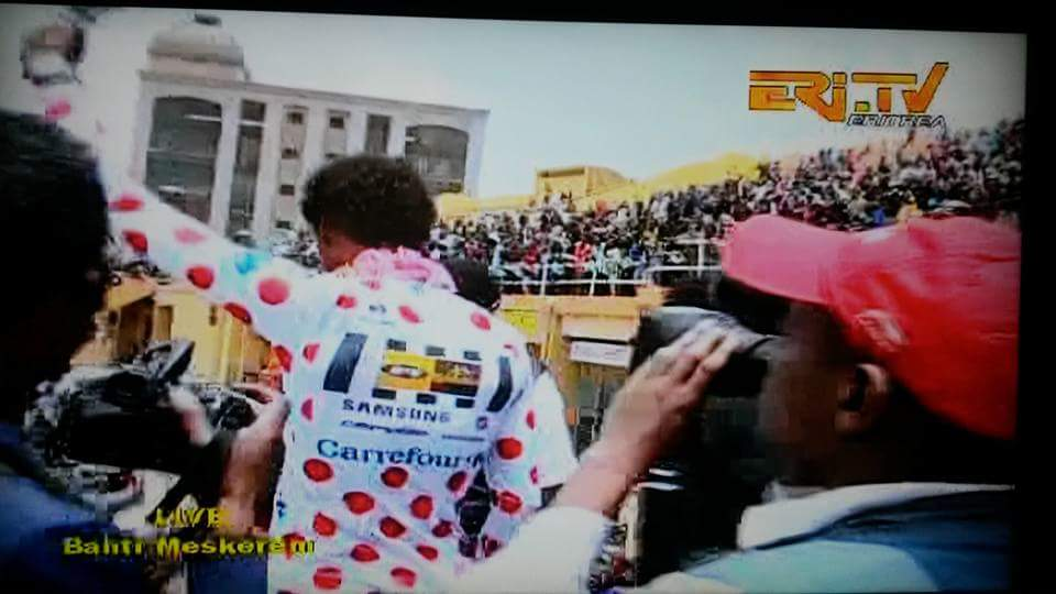 """Hero's welcome : @DanielTeklehai1 and @MeraKudus return to Eritrea after @letour. http://t.co/LAXI4jHQRz"""""""