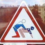 Стикер для личного автомобиля Пескова - в его семье именно так: http://t.co/SlKIVAI2Bb