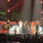 The boys onstage at Lucas Oil Stadium in Indianapolis! (31.07.15) #72-75 ???? - Mi http://t.co/n43fikHvzu