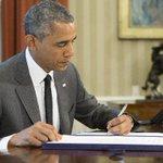 #EconomiaPA Obama firma ley para financiar autopistas de EE.UU. durante meses. http://t.co/E7b5OcNMeO http://t.co/BBzNmXqCSP