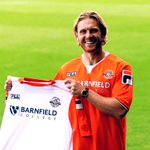 Please welcome our 11th signing of the summer - Craig Mackail-Smith! #COYH: http://t.co/3Rfg3rb8IA http://t.co/Ymc9x6xHnA