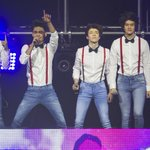 "Cientos de fans disfrutaron del grupo somosCD9 y su tour ""The party world"" anoche en el AuditorioMx. http://t.co/iw2oerF3cE"