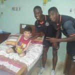 ¡GRAN EJEMPLO! @TauroFC visita el Hospital Cecilio Castillero de Chitré. Taurinos comparten con los pacientes. http://t.co/7DoG8jZ5xQ