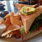 Get your lunch on!! This is the BLT @570KLIFs @amychodroff raves about! The chips are homemade!!! #Dallas #Foodie http://t.co/5BtQwEiKR8
