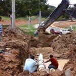 """El @IDAANinforma que repara daño de línea de 12"""" en Parques del Oeste, Arraiján, fase final. http://t.co/AKZXNeGM4M"""
