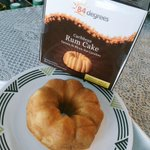 Celebrating #Caribana2015 weekend with some rum cakes from @84DegreesInc. Blog post coming soon #Mississauga! http://t.co/HFPHrlte1i