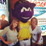 Hanging with Buddy the Bat at the @LouisvilleBats game! @LaurenWAVE3TV http://t.co/RB6oo3wnAh