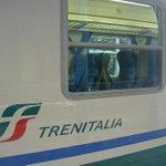 Linea ferroviaria bloccata a #Firenze verso #Roma a causa di un violento nubifragio http://t.co/OJUn7hKKGL http://t.co/dVobZNX2lu