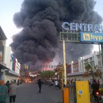 Kebakaran di Hypermart Abiantubuh pagi ini. Asapnya tebal sekali ;( http://t.co/m4kRw89y4a