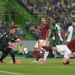 Triplice fischio qui al José Alvalade: #SportingRoma finisce 2-0 con reti di Slimani e Manè per i biancoverdi http://t.co/MUI6J06bX1