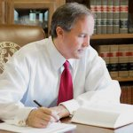 Texas AG Ken Paxton indicted for felony securities fraud. http://t.co/sKgUrVpsSt (photo:http://t.co/JoAkYC9DNR) http://t.co/8yoZu4Lq35