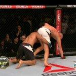 POR FAVOR CARA, NÃO VAI, NÃO ME DEIXE SÓ! #UFC190 http://t.co/FeD7N9iLsa
