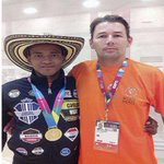Joven colombiano del Icbf gana medalla de oro en las Olimpiadas Especiales http://t.co/r74bR4pzi7 http://t.co/rds7Lb7J1E