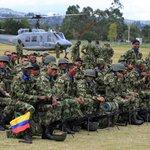 Trabajando por #Colombia día y noche sin desfallecer ni un segundo @FuerzasMilCol #EstamosEnElCorazón http://t.co/luDuNRz784