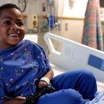 #LoMásVisto en Mundo: El niño de 8 años que conmocionó al mundo con su trasplante de manos http://t.co/0n1UShKckw http://t.co/OfEOpGSxiY