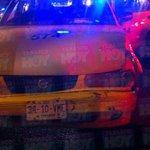 #AlertaTH: Persona resulta herida, al registrarse un choque entre taxi y auto particular en la avenida Ruiz Cortines. http://t.co/Ji35nBtmys