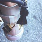 Nuevos zapatos 😍 http://t.co/XBpFo9bC3A