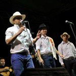 Medellín es trova en la #FeriaDeLasFlores http://t.co/lsIAFsdCu3 http://t.co/ONcZ7hkosE