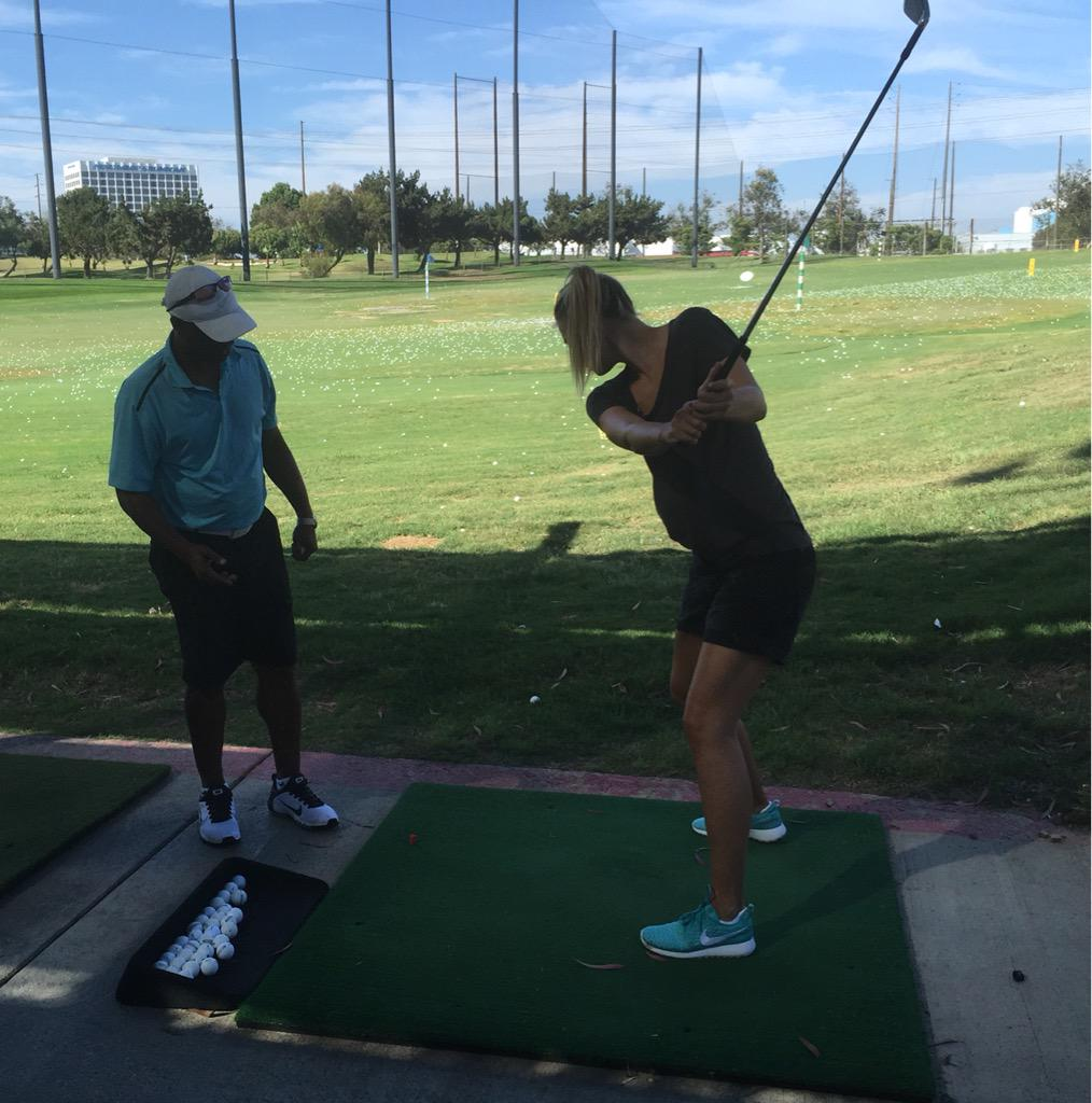 My first golf lesson. Hopefully not my last ⛳️ http://t.co/xhKMYplMnv