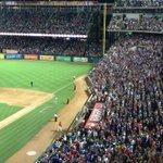 41,114 on their feet 👏🏼👏🏼👏🏼 for Cole Hamels! #HamelsHome http://t.co/RnblBicQNj