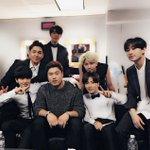 "LA dodgers Ryu hyun-jin here at #KCON with us tonight! ""@shfly3424:SJ &류현진선수 ⚾️#Superjunior #LA #류현진 #시차적응실패 #KCON http://t.co/nK3KHwzW3V"""