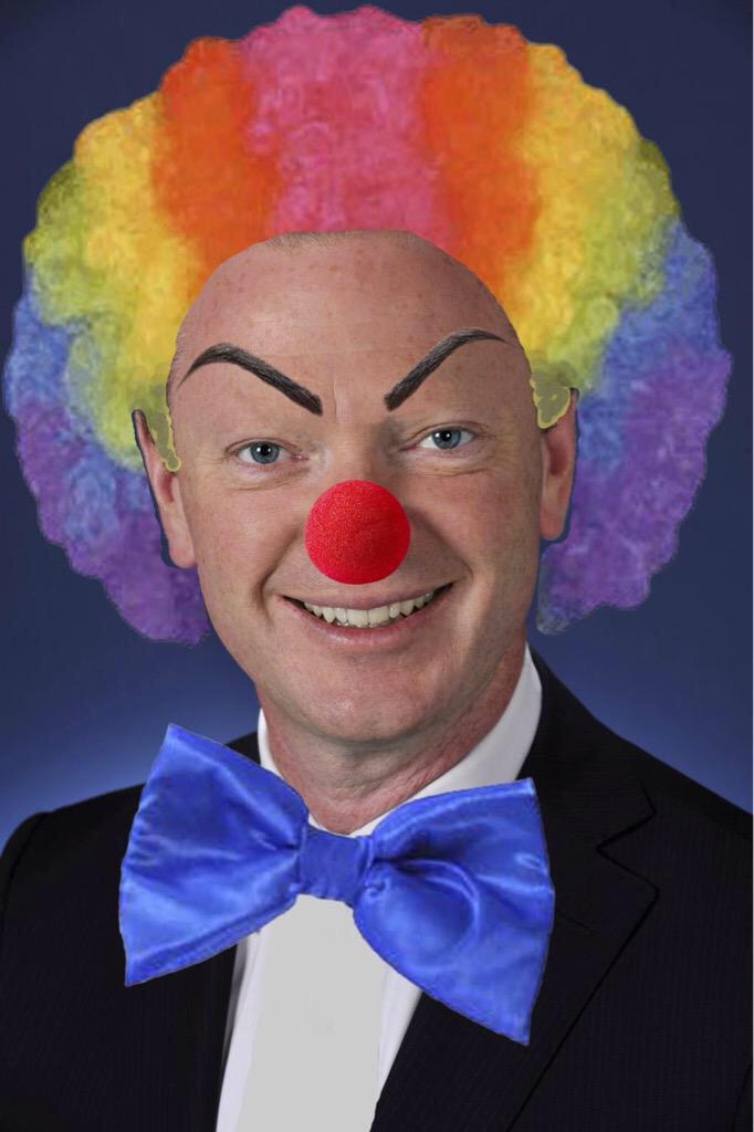 Pyne for speaker because in the last 400 days of this government I want to see how dysfunctional it can get #auspol http://t.co/7Apqu2mUbJ