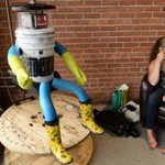 Sadly, sadly it's come to an end: @hitchBOT meets its demise on streets of Philadelphia http://t.co/TMCJws76Jo http://t.co/cThs8JJAa7