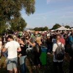 Vandaag alweer de laatste dag van #deLuieHond Fijn festival op mooie plek. #Arnhem in de relax stand! http://t.co/RDD6m5AQpA