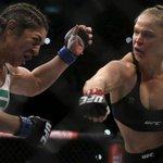 Ronda Rousey fulmina Bethe Correia com nocaute em 34 segundos no #UFC190. http://t.co/ThNeS29qYp