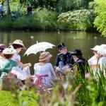 """""""@010MyCity Op 23 augustus @DvdRM De dag van de romantische muziek in het park bij de Euromast http://t.co/il9ZZuDr8E"""" @Parken010"""