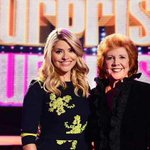 "Holly Willoughby pays tribute to Cilla Black: ""you were one incredible lady"" http://t.co/me97EdZWU7 http://t.co/5rp78S4jp7"