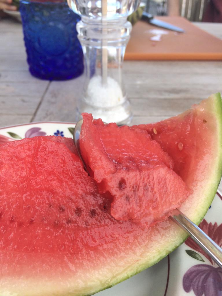 Watermelon with salt, as recommended by @GreatDismal. Yum. http://t.co/2uOKn7BVJV