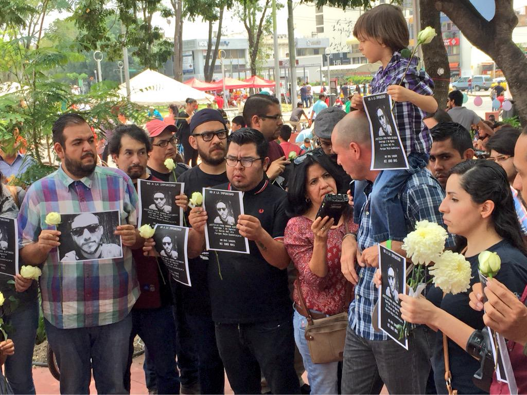 #JusticiaParaRuben es el reclamo fuerte de foto periodistas y periodistas en #Guadalajara http://t.co/11jlRCL0Hi