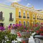 En estas #VacacionesDeVerano visita #Campeche. ¡Te enamoraras de su arquitectura! @CampecheTravel1 http://t.co/1bW0cLZ0is