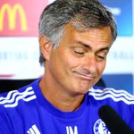 Arsene Wenger tak pernah mengalahkan Jose Mourinho di 13 kali laga (imbang enam, kalah tujuh). #CommunityShield http://t.co/ZBhmt0LfWR