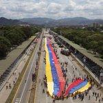 Este lunes será desplegada en La Vela de Coro la bandera de Venezuela más grande http://t.co/l7GEjZCVUK  http://t.co/ZeNK22L6My