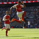 HT Arsenal 1-0 Chelsea. Oxlade-Chamberlain with the only first-half #CommunityShield goal. http://t.co/ZC4qLfBq1l http://t.co/XVacoPdMhA