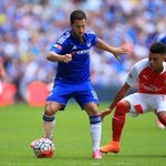 Half-time: Arsenal 1-0 Chelsea. #CommunityShield #CFC http://t.co/klHqwN29Iu