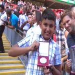 Well played, Jose. Big-hearted Chelsea manager gifts loser's medal to young Arsenal fan http://t.co/s3c0G44qRu http://t.co/HwHSOoDcF5