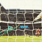 Courtois não chegou nem perto. Golaço de Chamberlain, Arsenal campeão! https://t.co/97tm2LCi5E