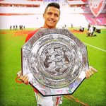 "SUCCESSFUL KE 😱😱😱😱 ""@Alexis_Sanchez: Yes yes ... Team 🏆👏 I want more successful!!! http://t.co/6tCwoZN10a"""