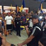 .@PatonGuzman hace la NahuelCam despidiendo a la afición. #VamosTigres http://t.co/mhCO5LGpnx