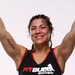 Sonho de publicitário: receber um Job tipo Bethe Correia pra finalizar em 34 segundos. http://t.co/KOpbyiS2pU